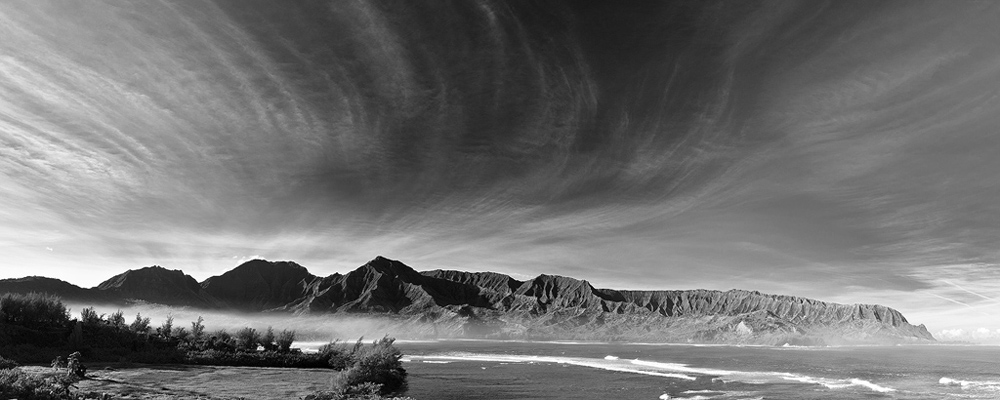 feinberg, princeville, hanalei, st regis, black and white, bnw, panorama, mist, dramatic, photo