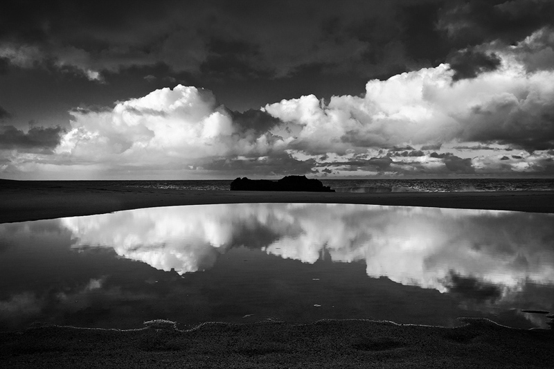 b/w,beach,black and white,feinberg,horizontal,lumahai,reflection, photo