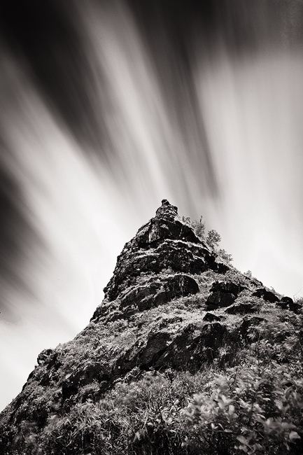 b/w,black and white,feinberg,kalalau trail,motion,mountain,vertical, photo