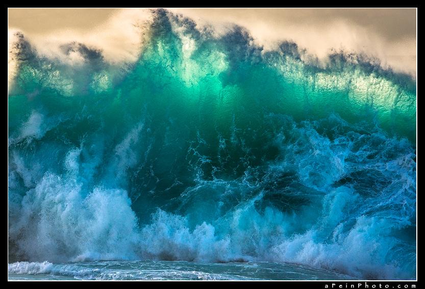 Aaron Feinberg, wave, surf, kauai, hawaii, princeville, horizontal, turquoise, blue, orange, photo